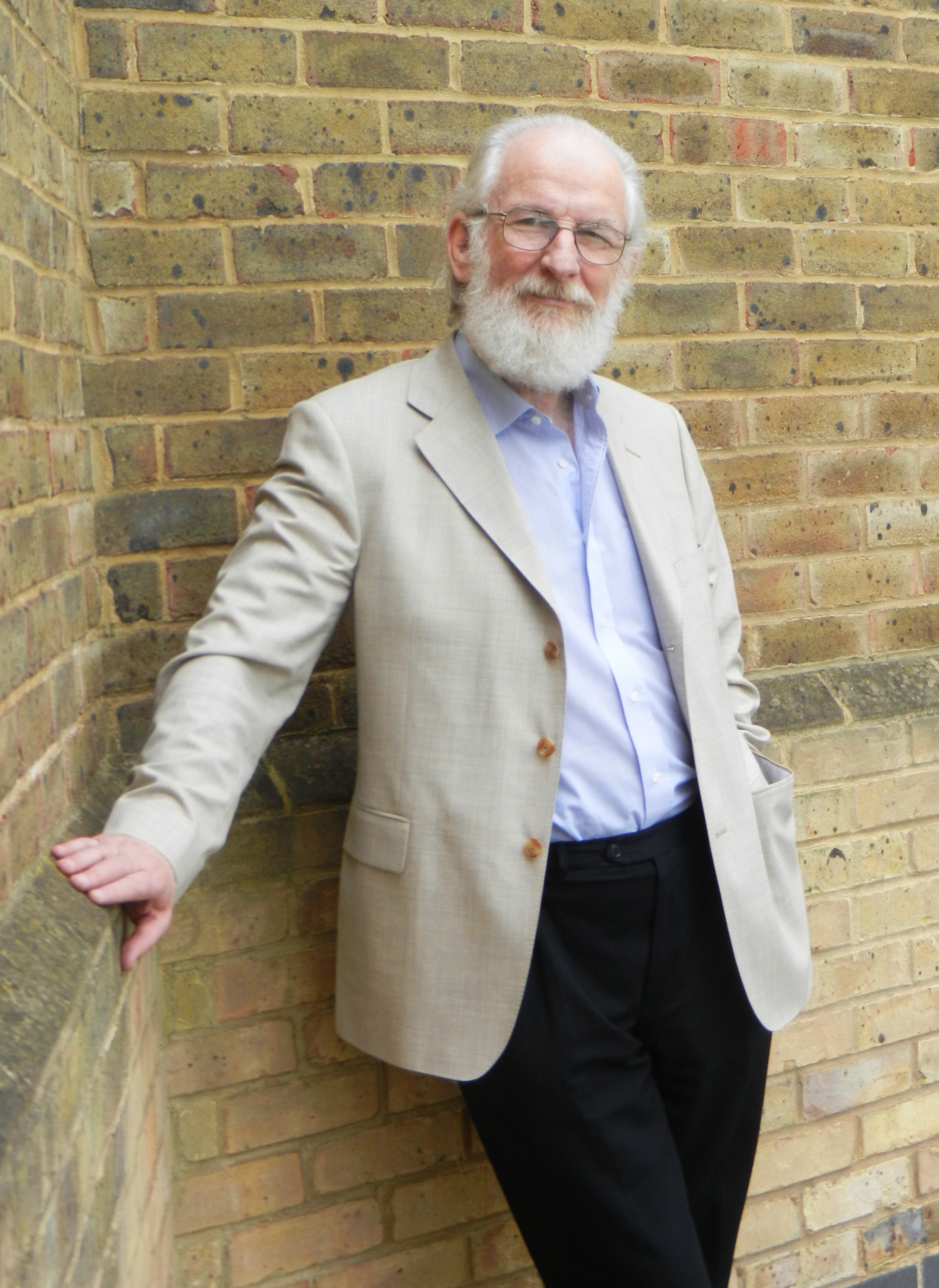Academic Summer David Crystal - speaker at workshops and lectures